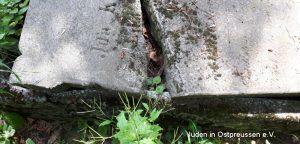 Grabplatte Ausschnitt