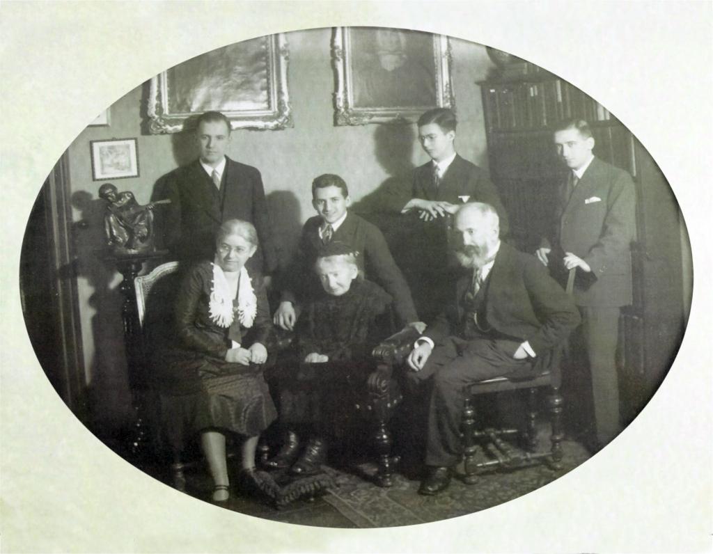 Family Dr. Felix Perles