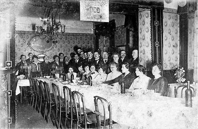 Passover Hotel Neumann